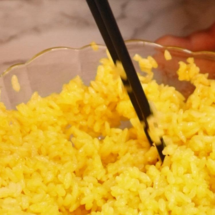 米饭打入鸡蛋