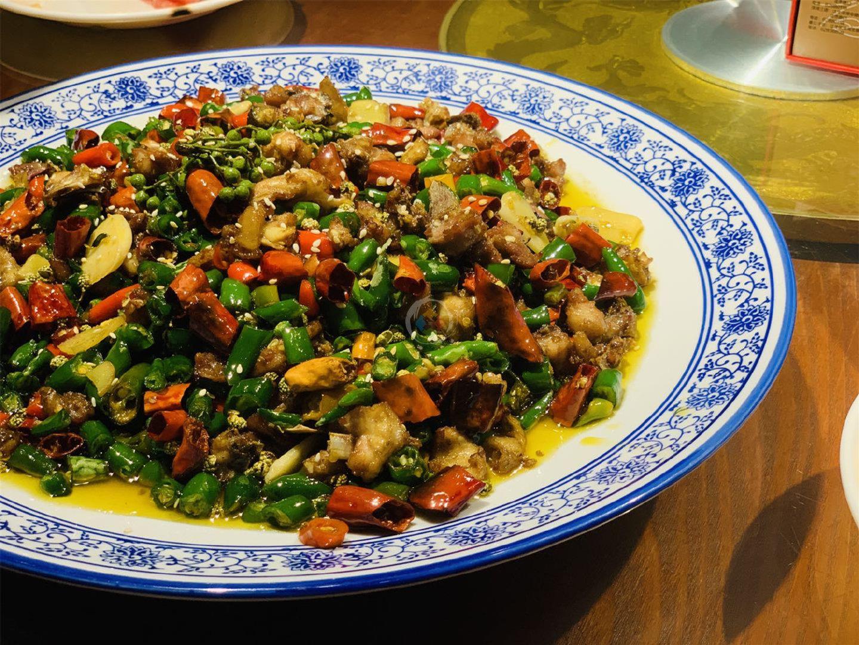 术业有专攻,重庆作为火锅之都,小龙虾做得比长沙还要好吃?