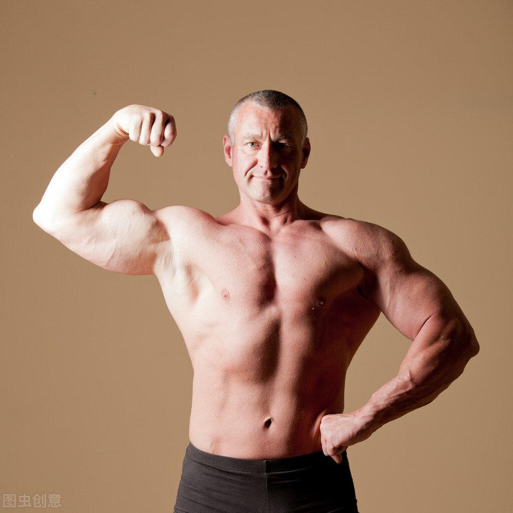 如何练出饱满的胸肌?注意6个练胸细节,附:一组练胸动图