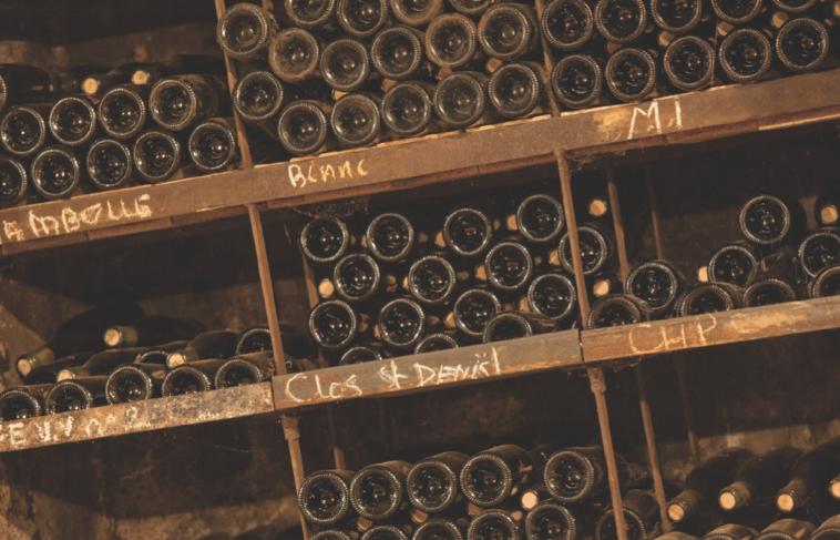 陈年中的葡萄酒(图片来源:www.heresztyn-mazzini.com)