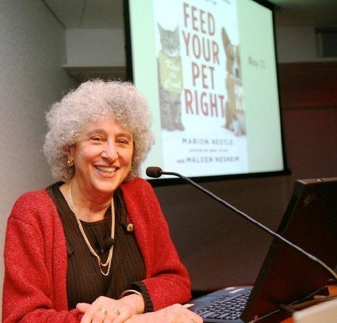 纽约大学马丽安-耐丝莉(Marion Nestle)博士